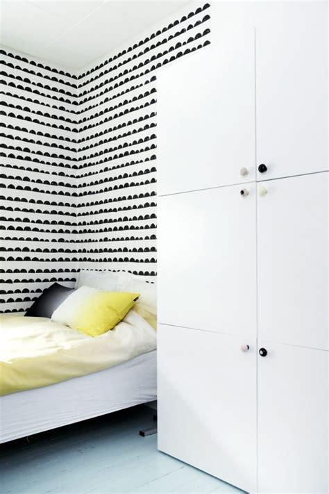 une chambre d enfant en noir et blanc
