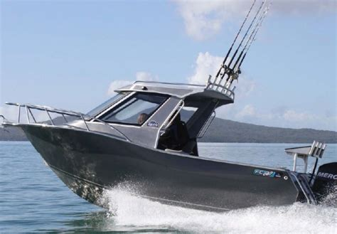 Boat Hardtop by Boat Review Fc 610 Hardtop Boatmags