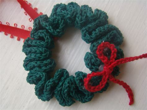 crafts by starlight crochet christmas wreath ornament