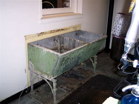 This Old Sink... Made Of Concrete?