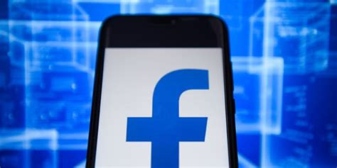 Facebook VPN that snoops on users is pulled from Android ...
