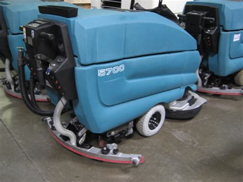 Tennant Floor Scrubber Service by Tennant 5700 Floor Scrubber Reconditioned
