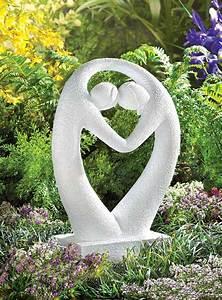 House designs modern garden decor ideas 2011 for Modern garden decor images