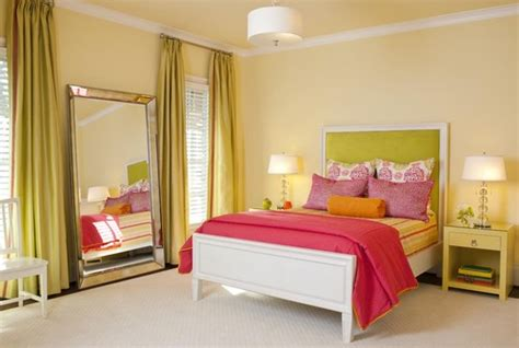 10 Stylish Ideas In Decorating Bedrooms With Big Mirrors