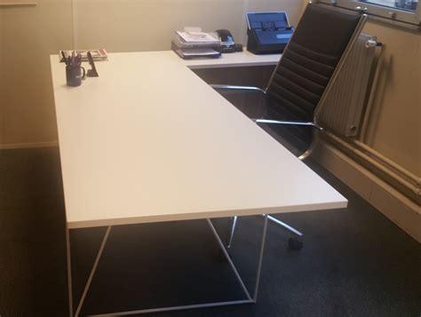 bureau architecte pas cher bureau droit blanc et fauteuil de direction lot adopte