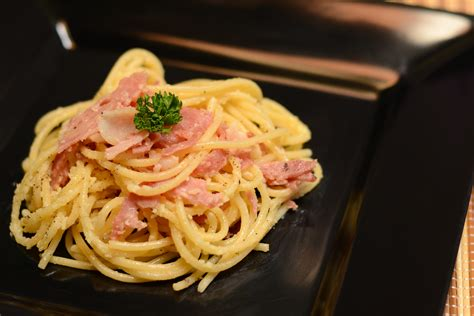 make spaghetti how to cook spaghetti carbonara with bacon 11 steps