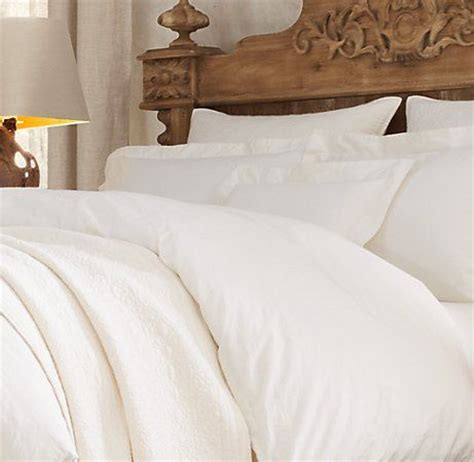big fluffy white comforter best 25 ivory bedding ideas on ivory bedroom
