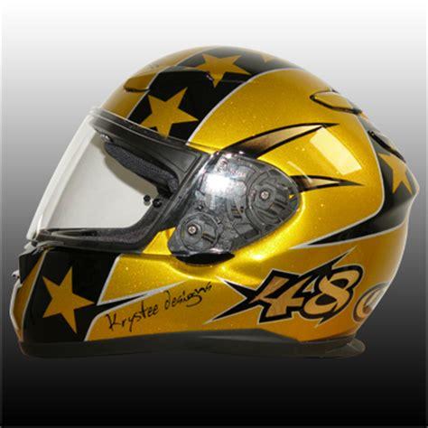 le prix pour une peinture sur casque moto karting jet ski etc