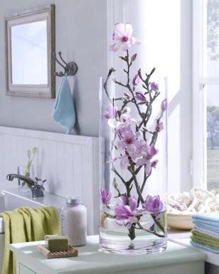 Die Fensterbank Mehr Als Eine Abstellflaeche Fuer Blumen by Magnolien In Der Glasvase Glasvasen Deko Glasvase Und