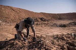 Another mass grave dug by Islamic State in Iraq - SFGate