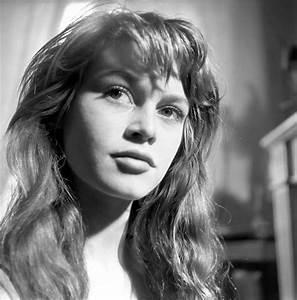 15 Stunning Black and White Photos of 18-Year-Old Brigitte ...  Brigitte