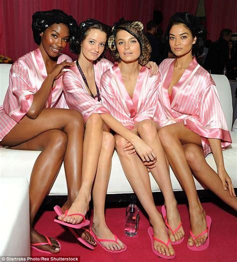 flip flop girls nude pics nude gallery