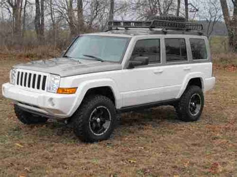 jeep commander lifted find used 2006 jeep commander custom lifted in sturgis