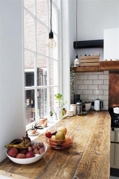 plan de travail cuisine bois brut la cuisine blanche et bois en 102 photos inspirantes