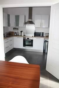 cuisine blanche bois et inox photo 6 6 vue de la With cuisine blanche et inox