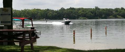 Lake Geneva Boat Rental Deals by Lake Geneva Vacations Hotel Getaway Deals Lake