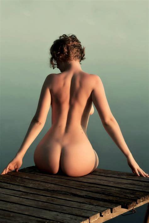 Beach Wide Hips Small Waist Nude