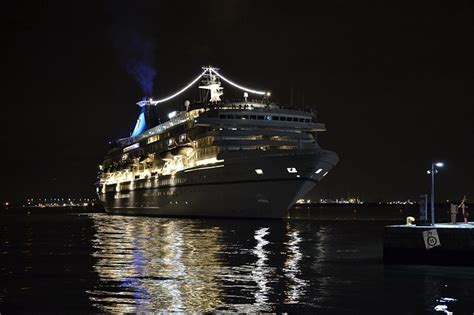 anniversary cruise guide  lots  anniversary packages