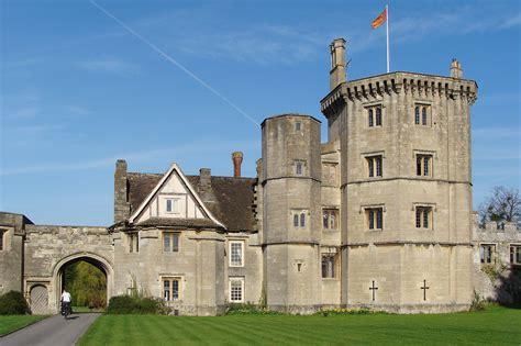 File:Thornbury Castle - 2.jpg - Wikimedia Commons