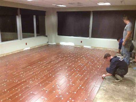 tile flooring that looks like wood free tile floors look