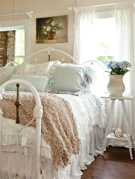 charming small shabby chic beach cottage completely coastal