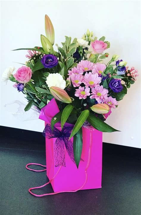 wedding flowers gift flowers floral designs great yarmouth