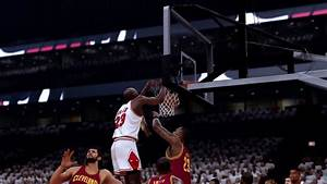 MICHAEL JORDAN DUNKS ON LEBRON JAMES! NBA 2K17 Gameplay ...