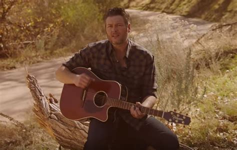 blake shelton i lived it lyrics blake shelton shares nostalgic quot i lived it quot music video