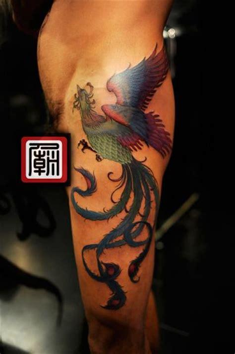 tatouage jambe cote phoenix par tattoo temple
