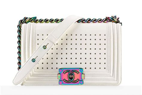 purse lights up inside check out 92 of chanel 39 s spring 2017 bag pics prices
