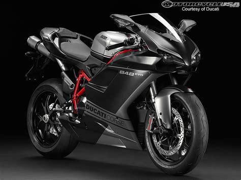 2013 Ducati Sportbike Models Photos
