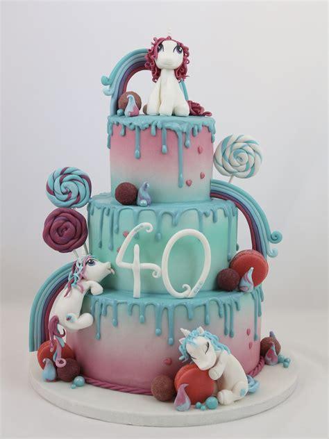 einhorn figur torte drip cake drippy torte einhorn unicorn macarons fondant