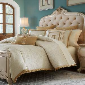 Carlton Luxury Bedding Set: A Michael Amini Bedding