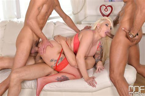 Busty European Milf Jarushka Ross Goes Dirty With Three