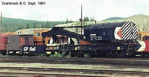 414474 200 Ton Auxiliary  Wreck  Crane With Its Boom Car