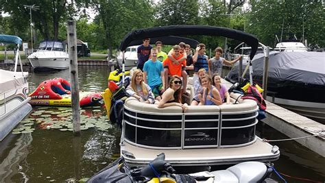 Boat Rentals With Tubing Near Me by Chain Of Lakes Boat Rental And Tours Coupons Near Me In