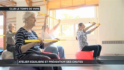 chorégraphie cabaret avec chaise atelier équilibre pour les personnes âgées