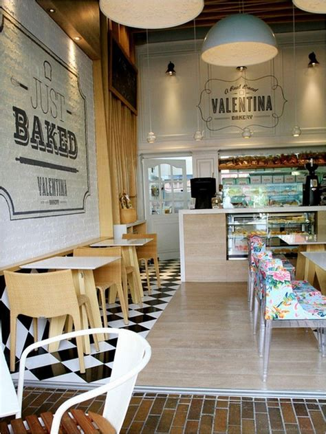 960 x 1280 jpeg 186 кб. 55 Awesome Small Coffee Shop Interior Design 54 #coffeeshopinteriors | Small coffee shop, Coffee ...