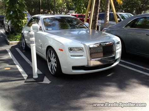 rolls royce ghost spotted  miami beach florida