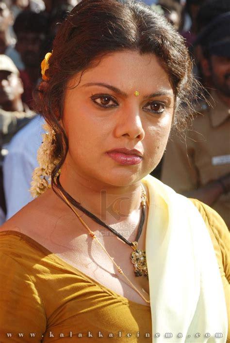 hot indian actress  big jugs swati verma