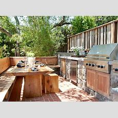 Natural Elements In Outdoor Kitchen  Outdoor Kitchen