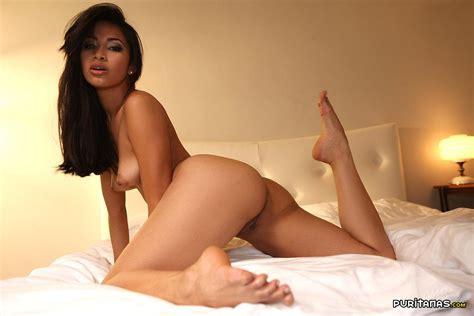 Latina Con Un Coño Bien Depilado