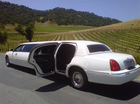 Luxurius Car : Luxury Limousine Orlando