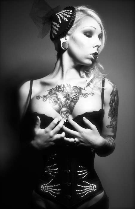 jadenoir: model: Marcy Horror makeup/hair: J Anthony Martinez corset: Jupiter Moon 3 hat: Bat