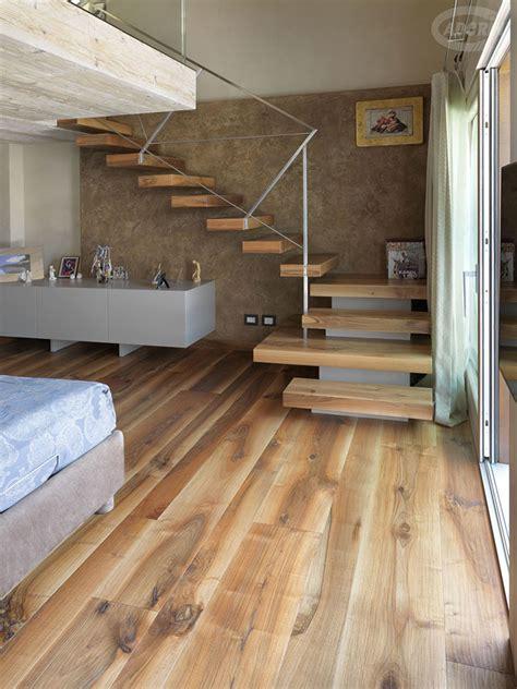 rivestire una scala in legno 25 modelli di scale in legno per interni dal design