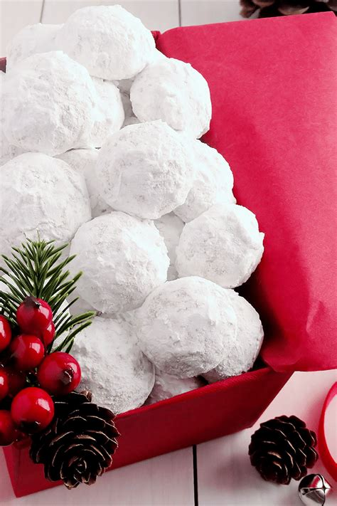 Mexican cinnamon cookies my extended family shares a meal every sunday. Snowball Christmas Cookies aka Russian Teacakes/Mexican Wedding Cookies   Cookies recipes ...