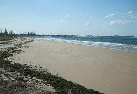 Stockton Beach - Wikipedia