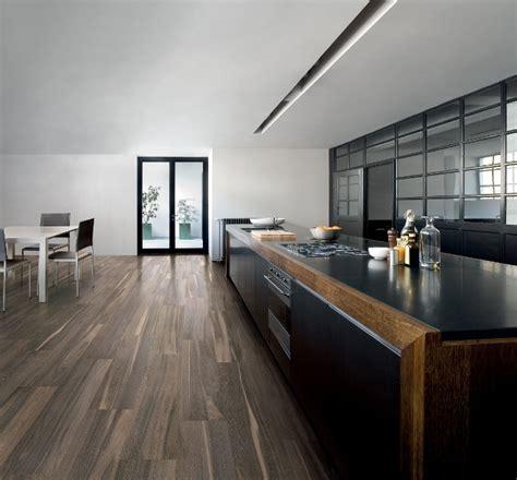 kol tegels natuursteen en hout  uw vloernl