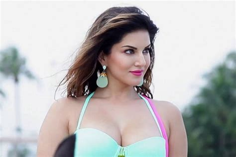 25 Hottest Bollywood Actress Under 35 Age In 2018 World