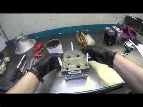 How to assemble a Danfoss PVG 32 Valve - YouTube